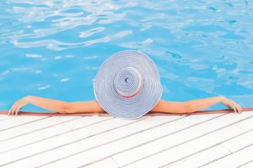 guide-entretien-piscine-nettoyage-aspirateur-piscine
