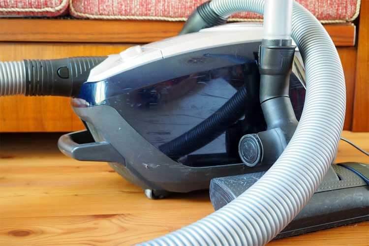 meilleur-aspirateur-2018-aspirateur-avec-sac-silencieux-meilleur-aspirateur-sans-sac-2018-rowenta-ro5729ea-rowenta-ro6327ea-miele-complete-c3-excellence-ecoline-aspirateur-avec-sac-darty-aspirateur-pas-cher-conforama-rowenta-silence-force-compact-4a-rowenta-aspirateur-avec-sac